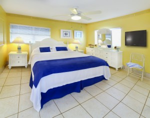 One Bedroom Apartment Bedroom with King Size Bed